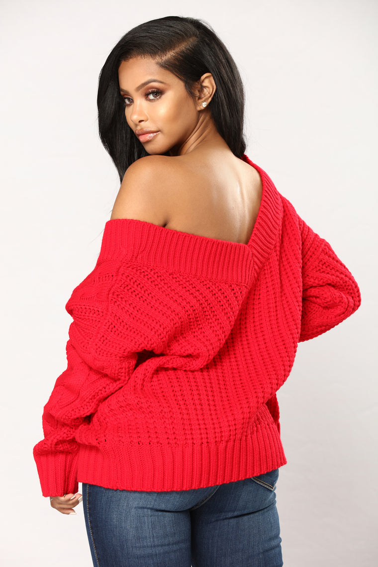 Old Fashion Cable Knit Sweater - Red
