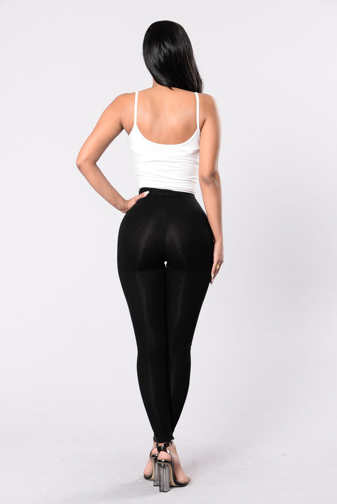 X Marks The Spot Leggings - Black