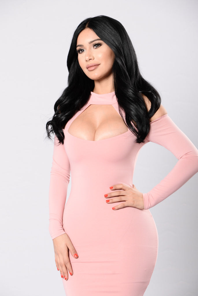 I'm That Chick Dress - Pink