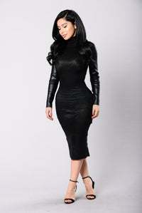 Killer Curves Dress - Black