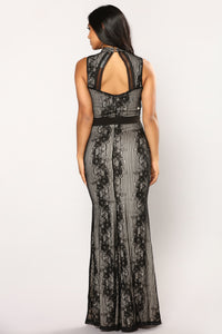 Karissa Mermaid Maxi Dress - Black/Nude