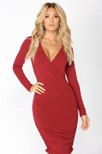 Monique Ruched Dress - Burgundy