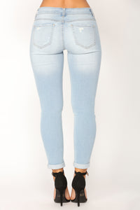 Happy Ever After Ankle Jeans - Light Blue Wash