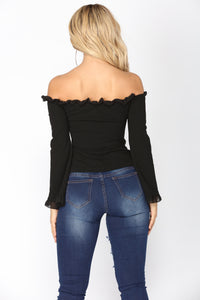 Natural Delight Ruffle Top - Black