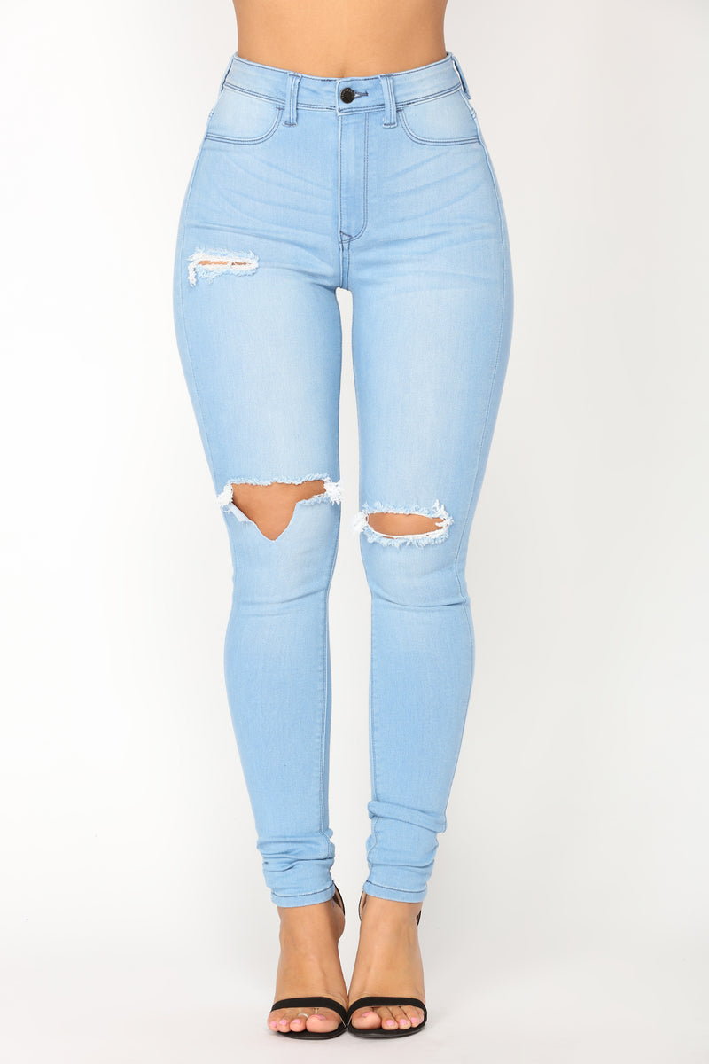 Womens Light Wash Skinny Jeans