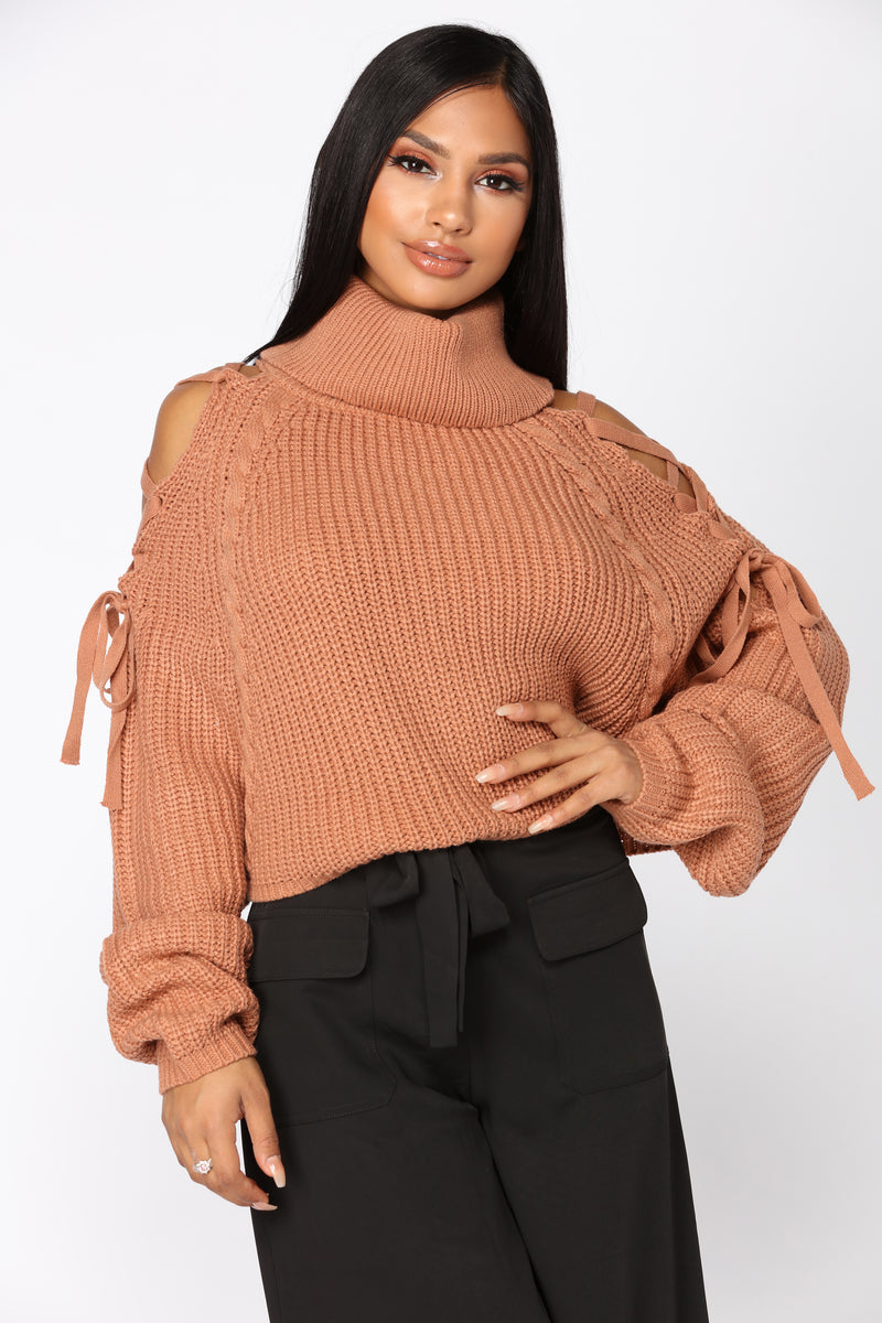 Suspended Turtle Neck Sweater - Brick