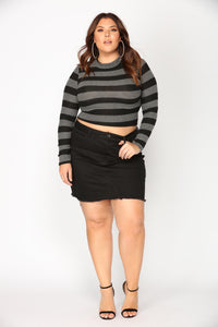Steady Switching Stripe Top - Grey/Black Angle 6