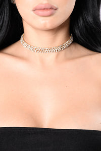 Lady Of The House Choker - Gold