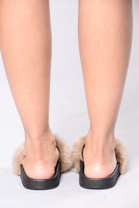 Rock Star Sliders - Taupe
