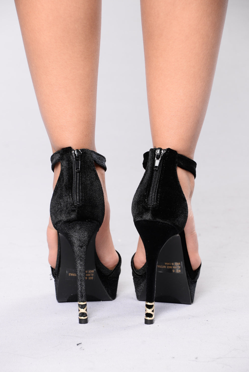 Linger On Me Heel - Black