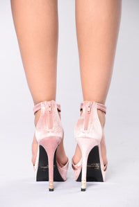 Linger On Me Heel - Blush
