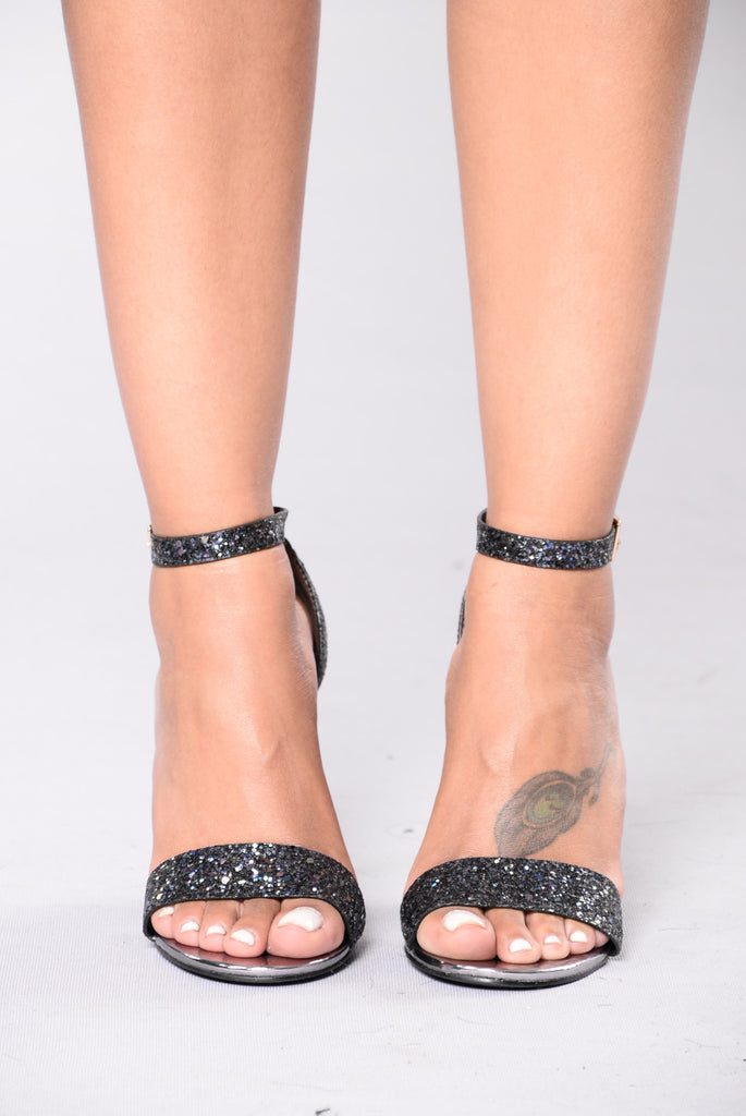 Party Time Heel - Black