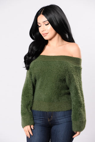 Good With Them Soft Lips Sweater - Olive
