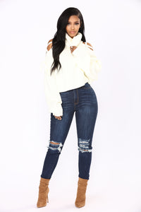 Suspended Turtle Neck Sweater - White