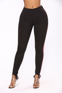 Date With Bella Leggings - Black/Red