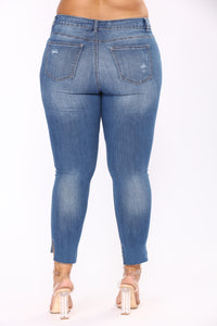 Get To Stepping Ankle Jeans - Medium Blue Wash