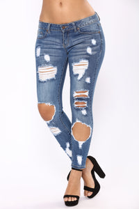 Chasing Waterfalls Ankle Jeans - Medium Blue Wash