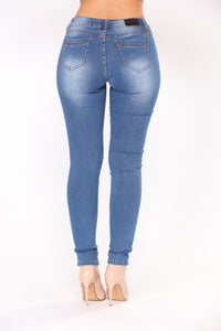 Oh Sandy Skinny Jeans - Medium
