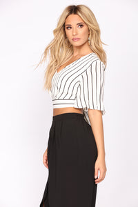 Britney Striped Top - Ivory/Black