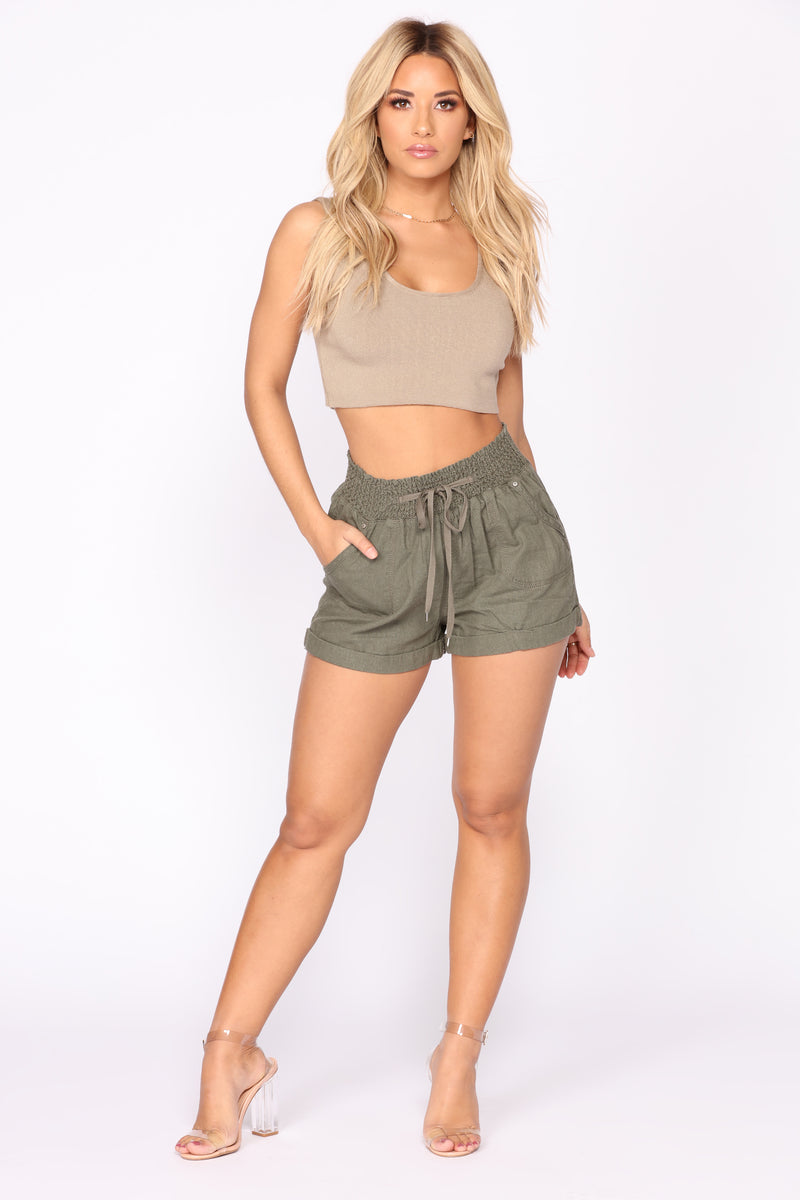 Feeling The Breeze Linen Solid Shorts - Olive
