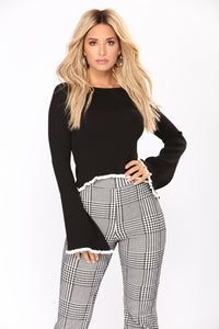 Keep It Low Key Sweater - Black