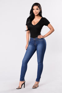 Hold My Hand Jeans - Medium Blue