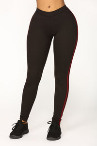 On The Low Striped Lounge Leggings - Black/Wine