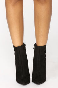 Out Shine Them All Bootie - Black