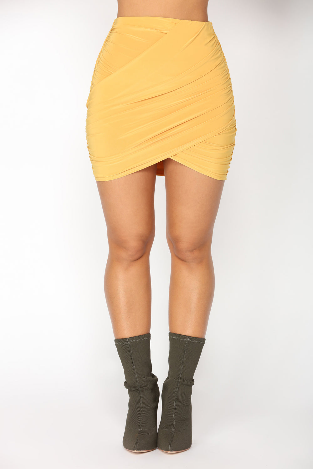 Skirting The Issue Set - Mustard