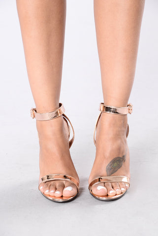 Simple And Sleek Heel - Rose Gold
