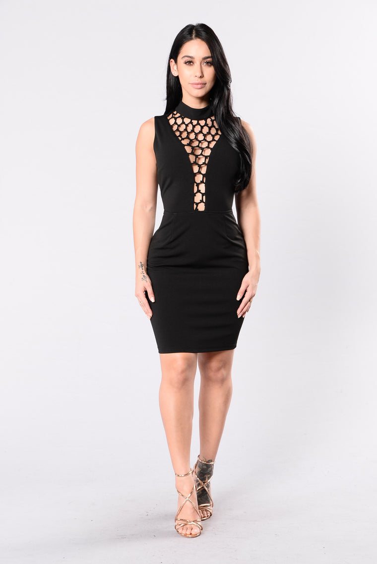 Thrilling View Dress - Black