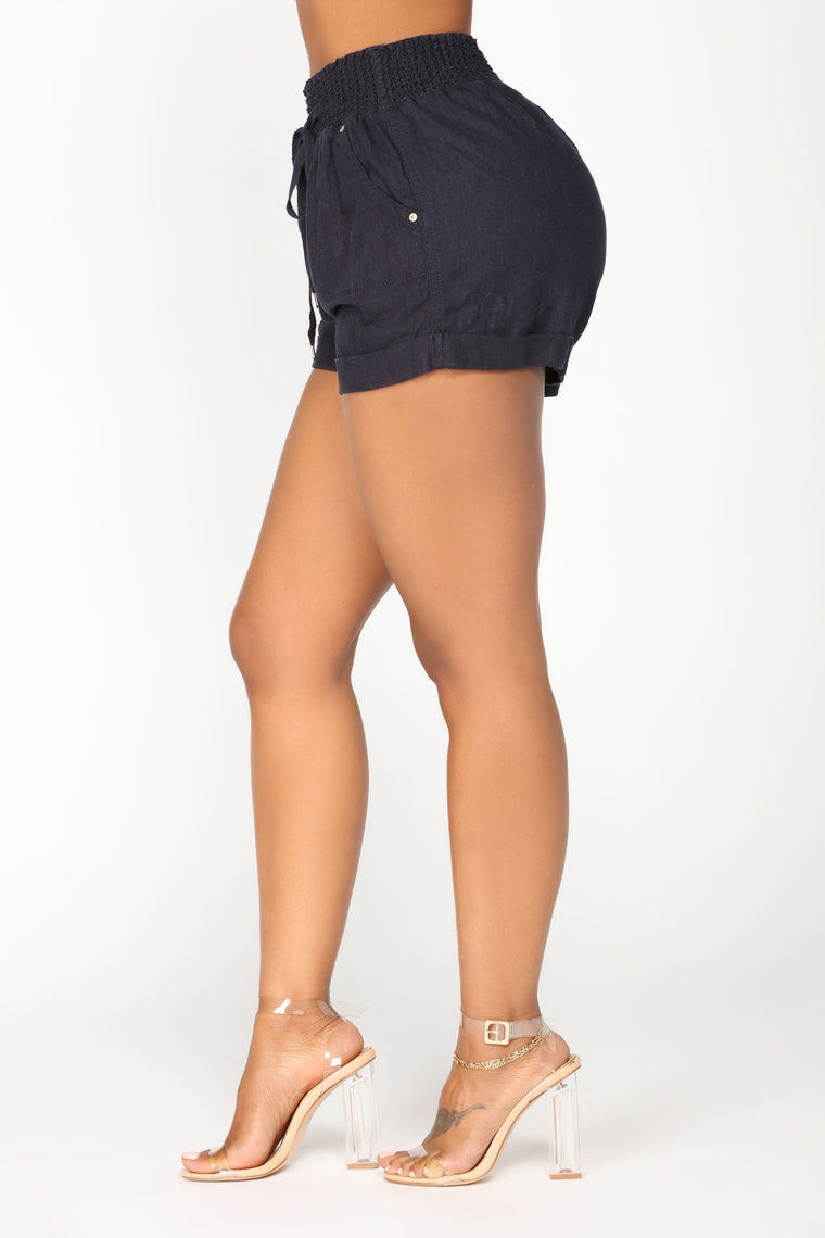 Feeling The Breeze Linen Solid Shorts - Navy