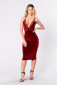 Drop Dead Gorgeous Dress - Burgundy