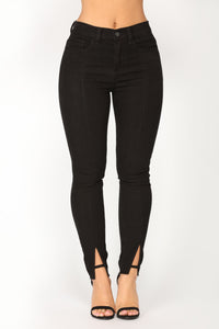 Ride Like That Skinny Jeans - Black