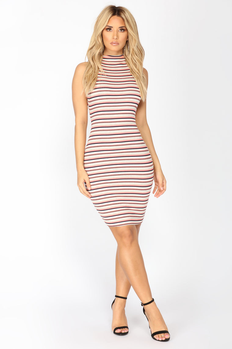 Nova Fleek Midi Dress - Pink