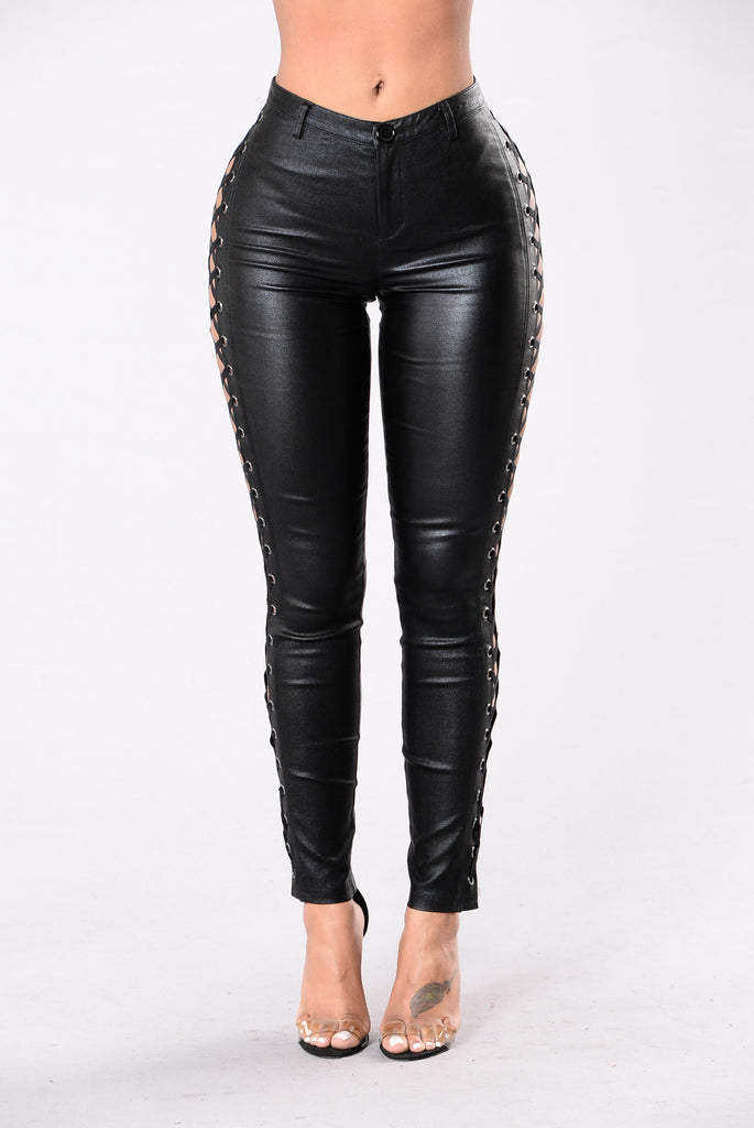 I'm That Girl Pants - Black