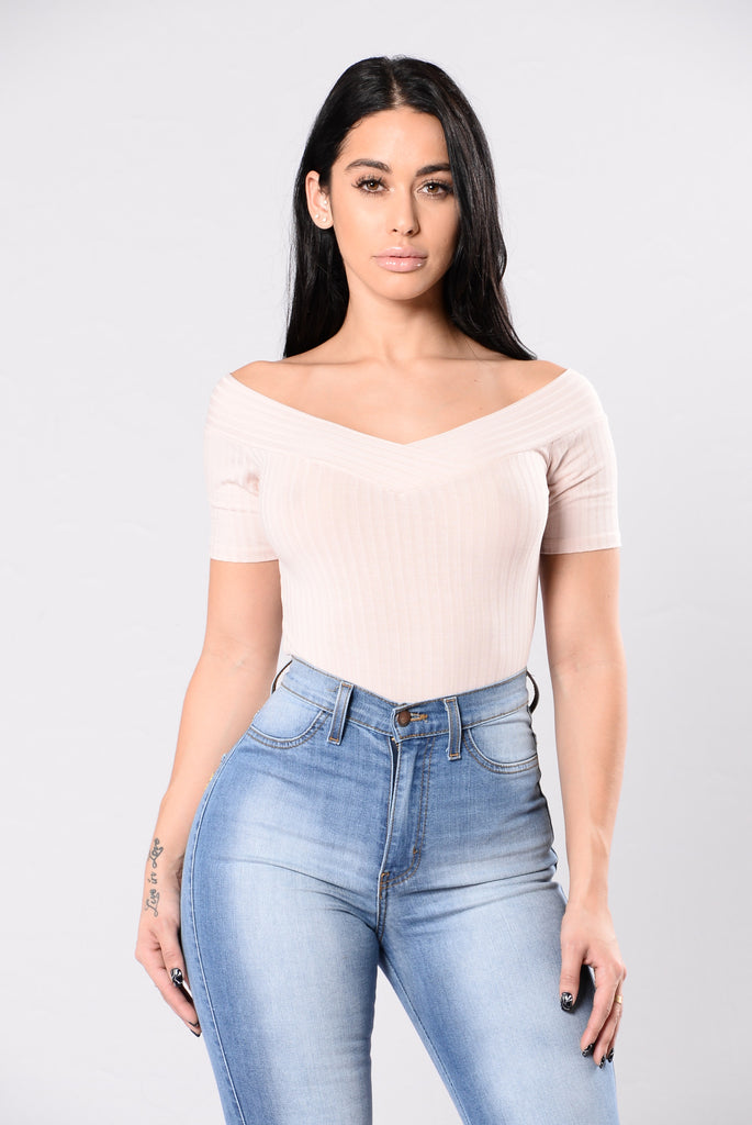 Trivial Emotions Bodysuit - Blush