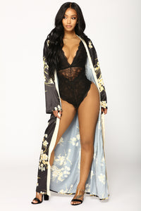 Beauty Marked Robe - Black Angle 1