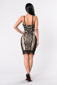 Classic And Sexy Bandage Dress - Black