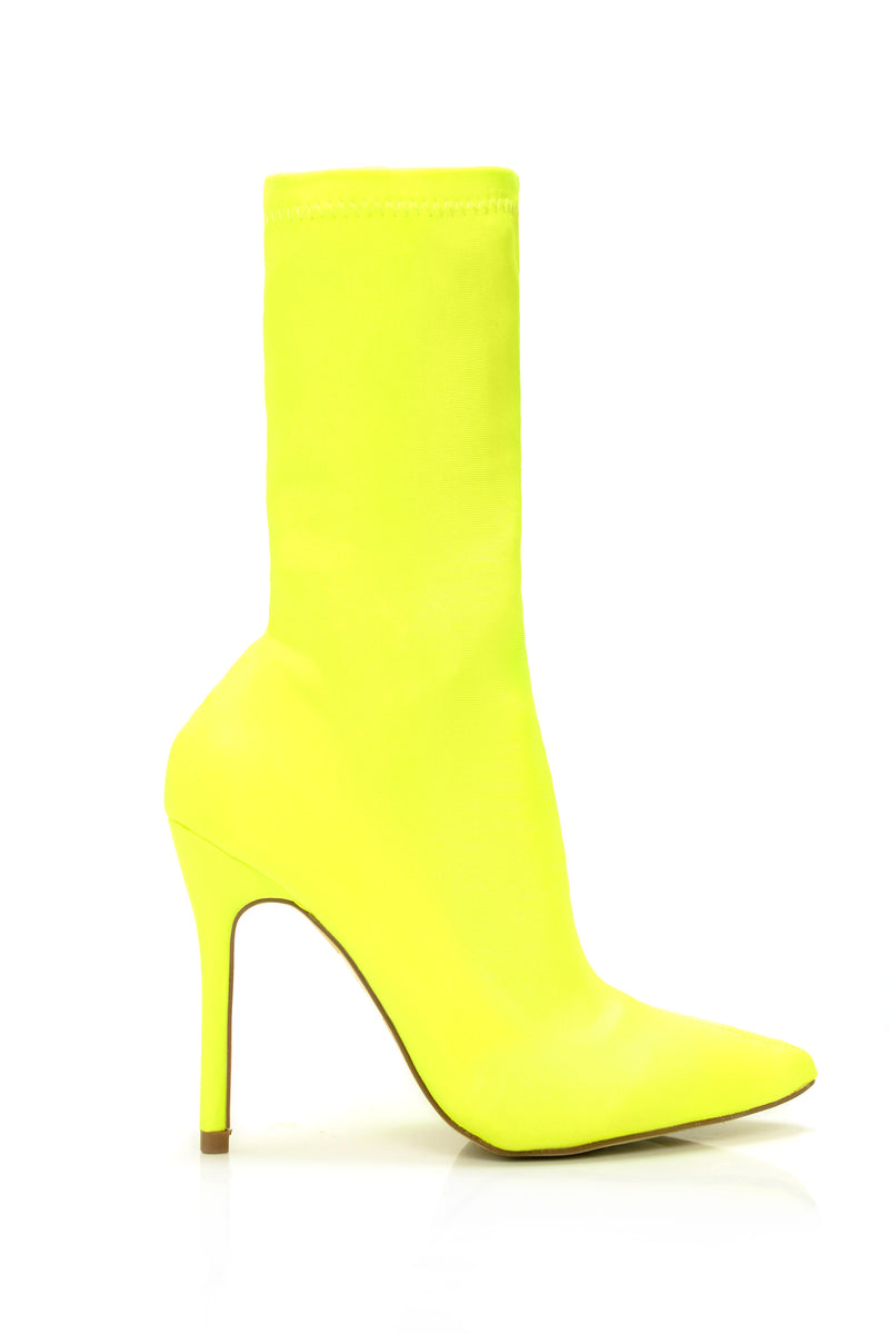 Don't Doubt Me Bootie - Yellow