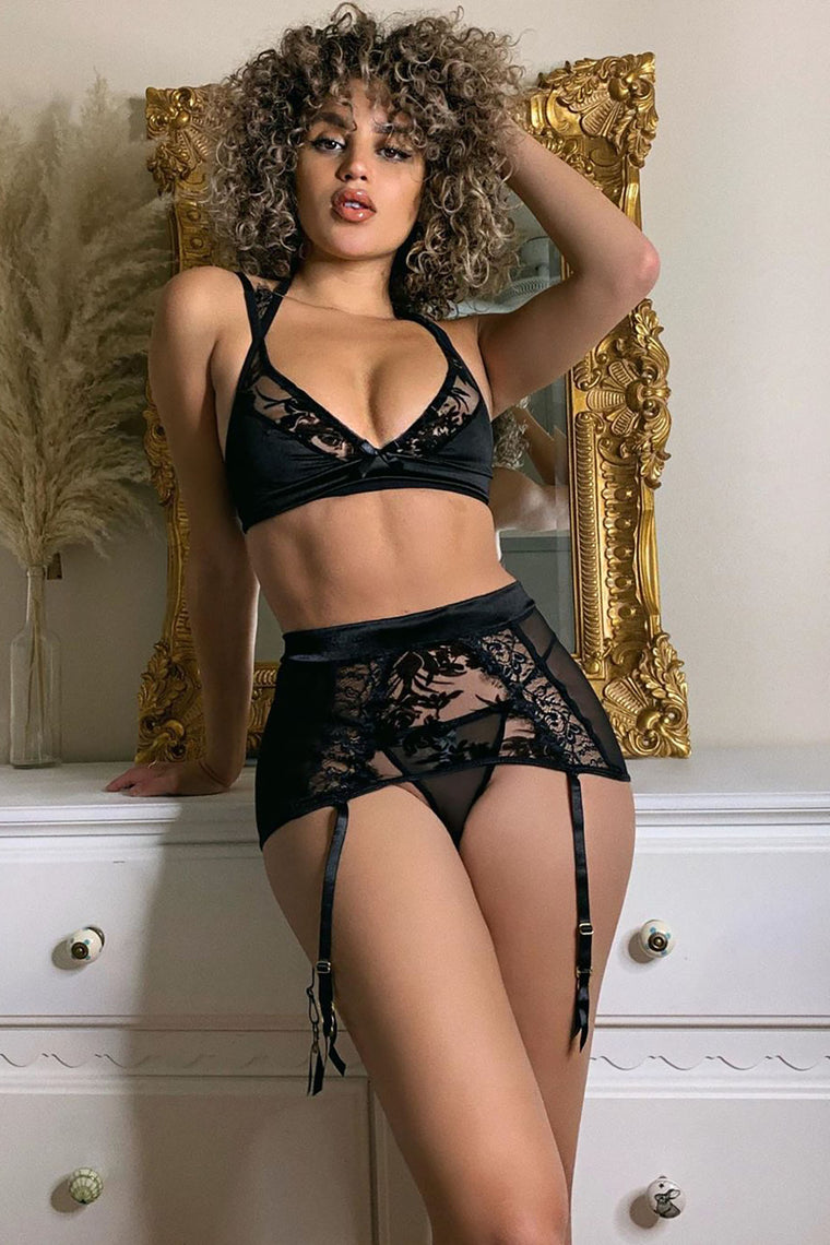 Heart Of Stone Lace 3 Piece Set - Black
