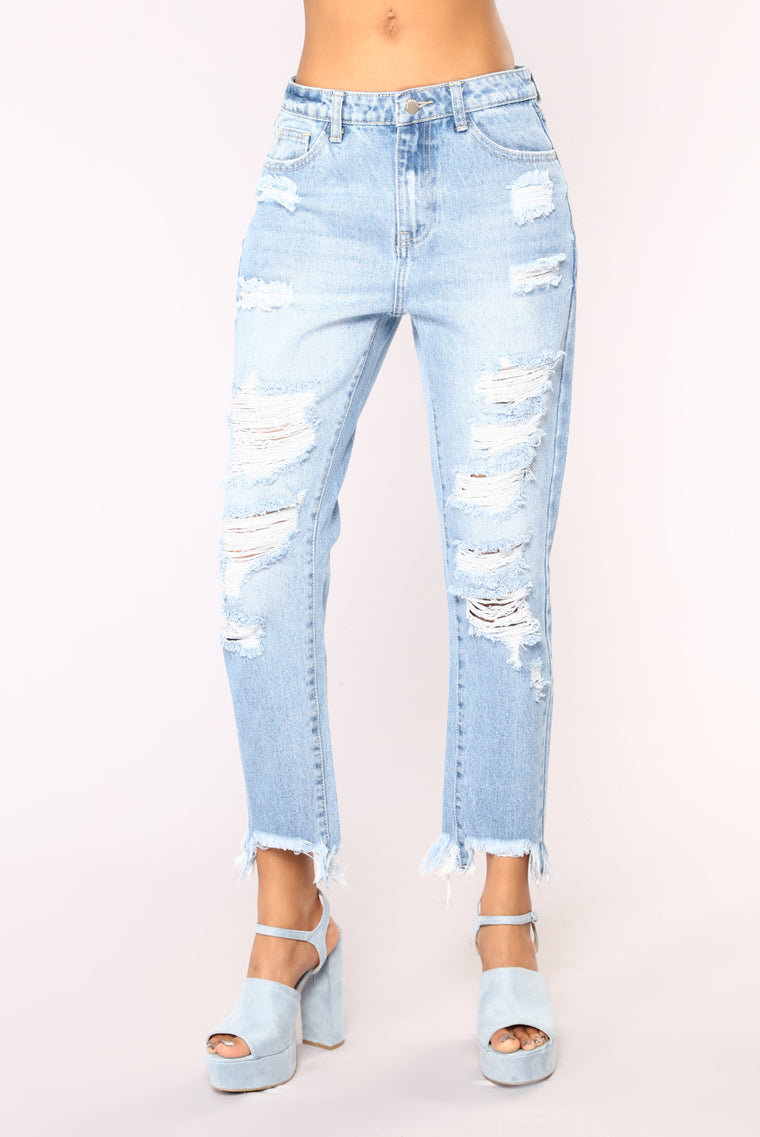 Never Stressed Distressed Boyfriend Jeans - Light Wash