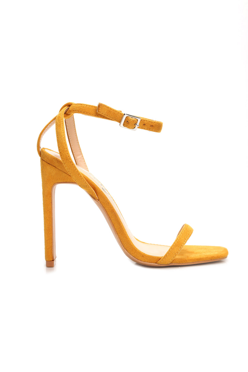 Square Up Heel - Yellow