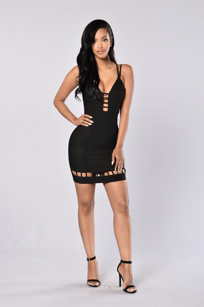 Roam Around Dress - Black