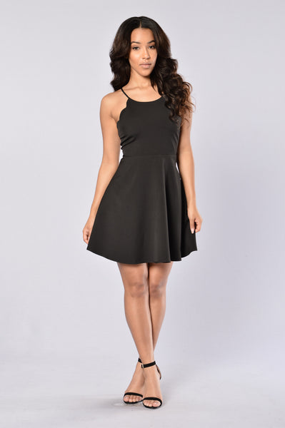 Daring Dress - Black