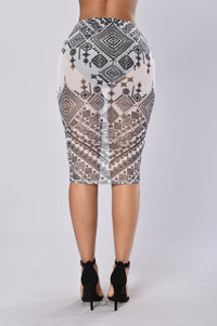 Round My Way Skirt - Black/White