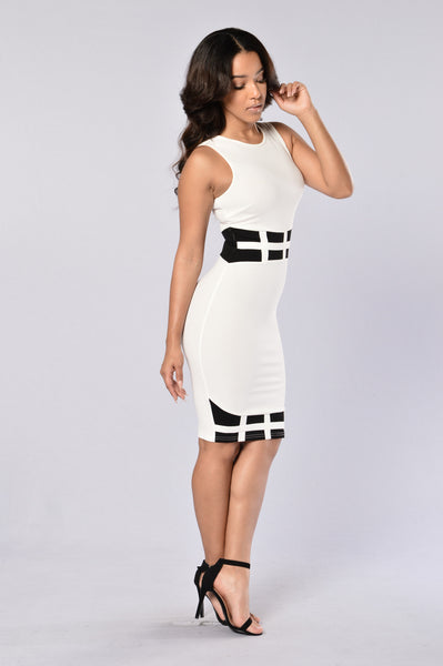 Kitana Dress - White/Black