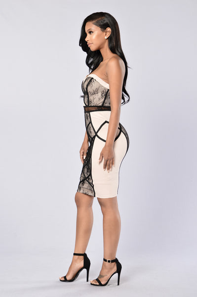 Delicacy Dress - Nude/Black