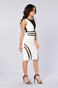 See To Believe Dress - Ivory/Black Angle 4