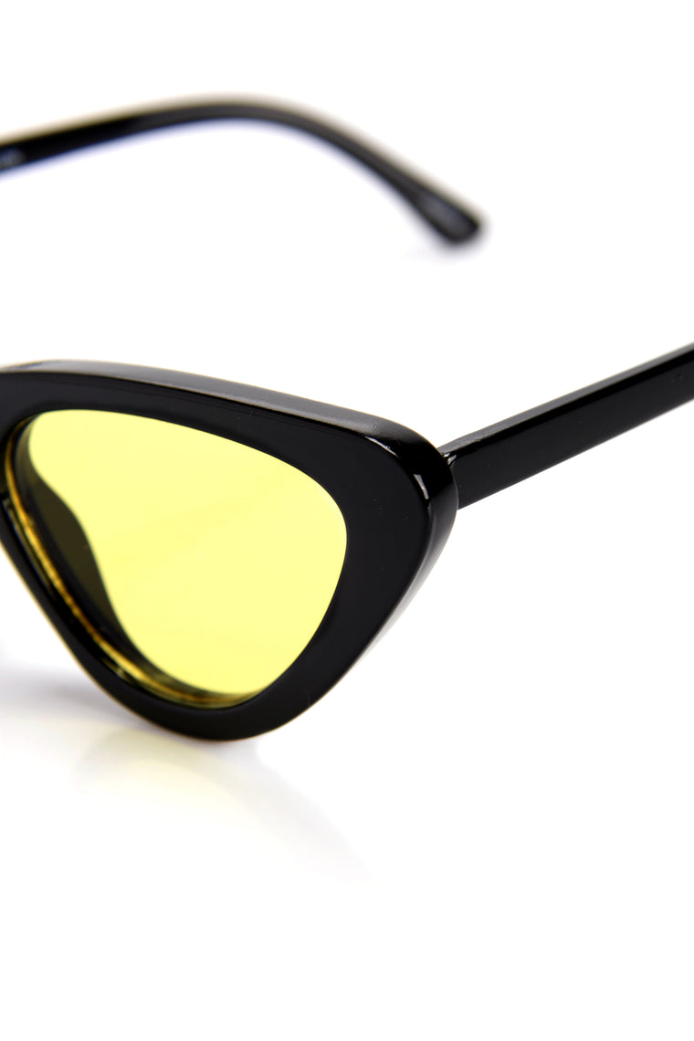 Levels To This Sunglasses - Black/Yellow
